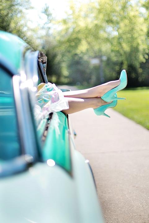 womans-legs-887286_960_720